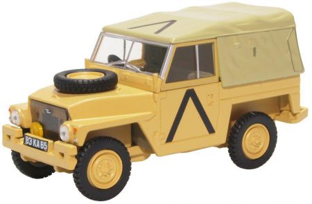 43LRL008 Land Rover Lightweight Gulf War by Oxford Diecast