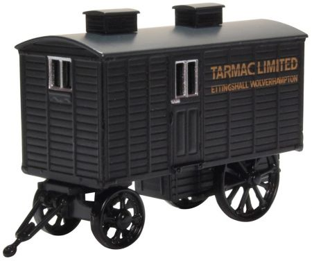 76LW003	Living Wagon Tarmac