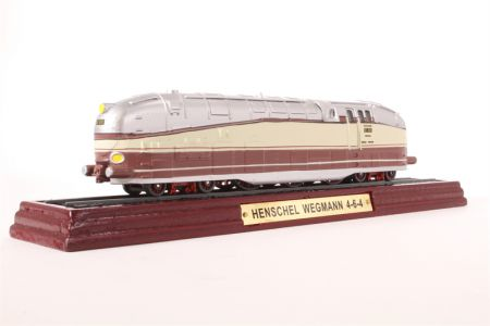 Atlas Editions Henschel Wegmann 4-6-4 Locomotive - Static Model