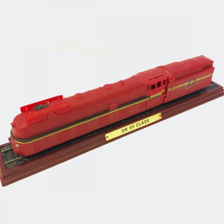 Atlas Editions DR 05 Class Locomotive - Static Model