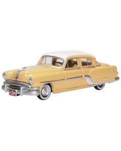 Oxford Diecast Pontiac Chieftain 4 Door 1954 Winter White/Maize Yellow 87PC54002