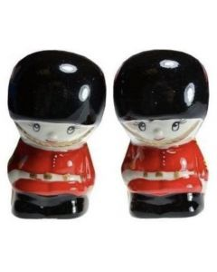 Queens Guard Ceramic salt & pepper set  03019
