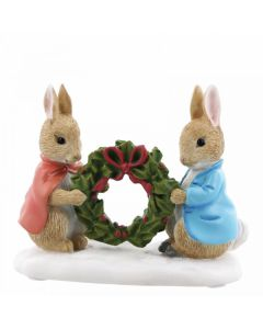 Beatrix Potter Peter Rabbit and Flopsy Holding Holly Wreath Enesco A28966