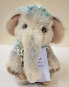 SJ5947 Clarabelle Elephant by Charlie Bears