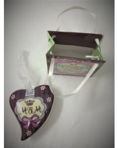 Mum hanging ceramic trinket heart for Mother's Day. Shudehill gifts JD40240