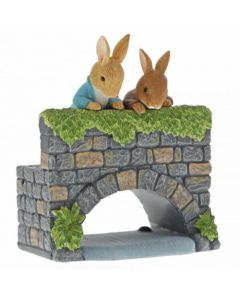 Beatrix Potter Peter & Benjamin on the Bridge Figure by Enesco A29834