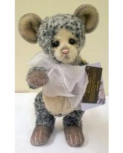 SJ5647B Neat Mouse Mohair Charlie Bears